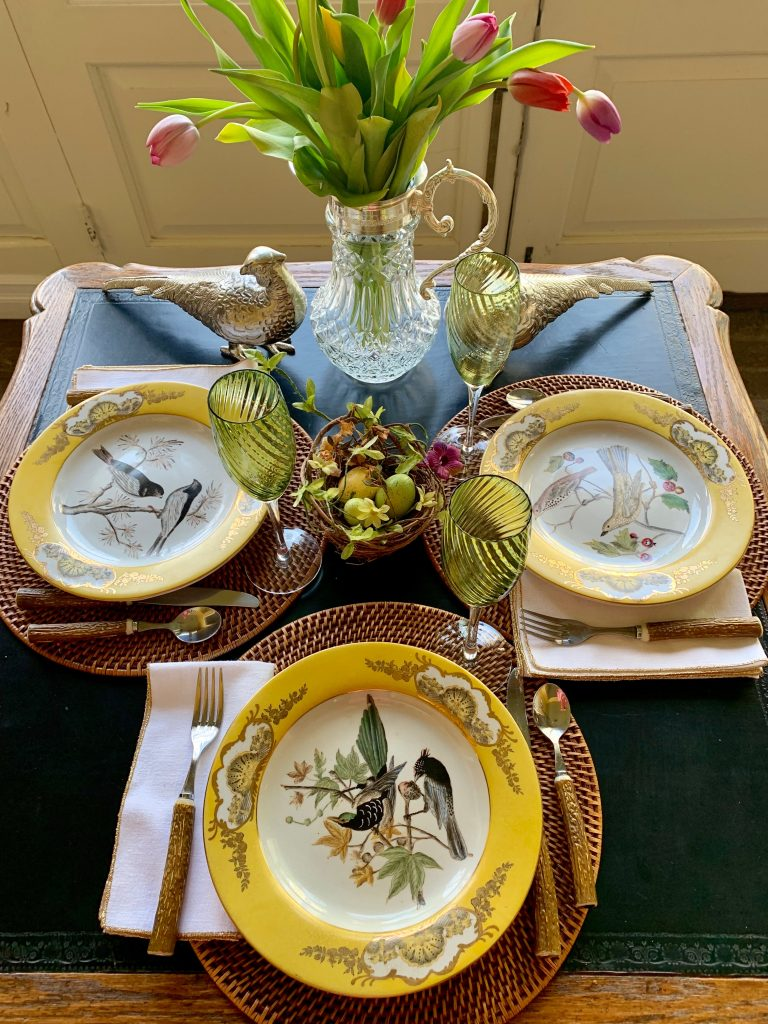 Colorful Table Settings For Spring Summer
