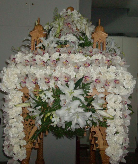 Flowers For The Funeral Bier Greek Orthodox Friday Easter