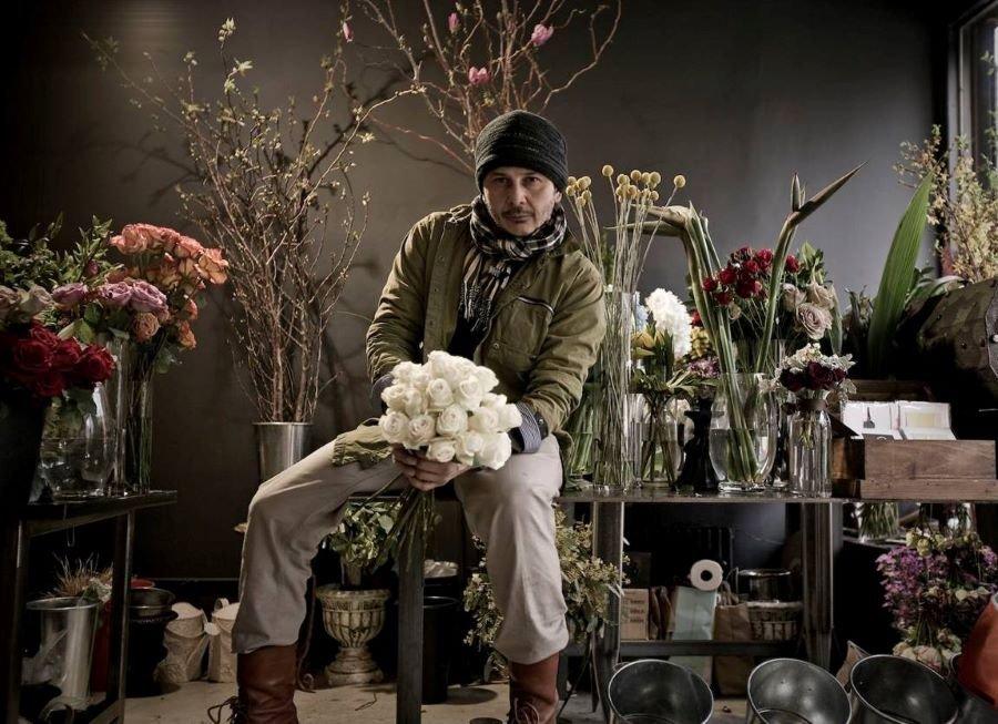 Carlo Bermudez The Flower Empresario