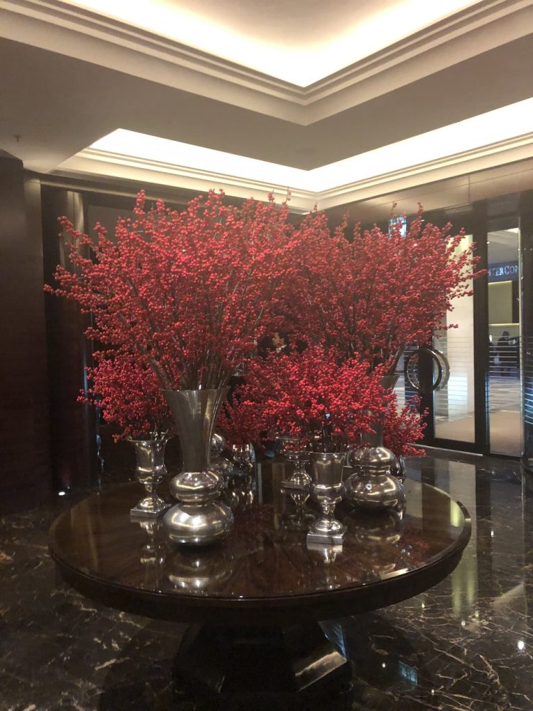 Ten Fabulous Hotel Flower Arrangements From Around The Globe
