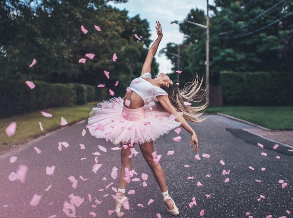 Ballet Dancer Isabella Fonte with pink flowers